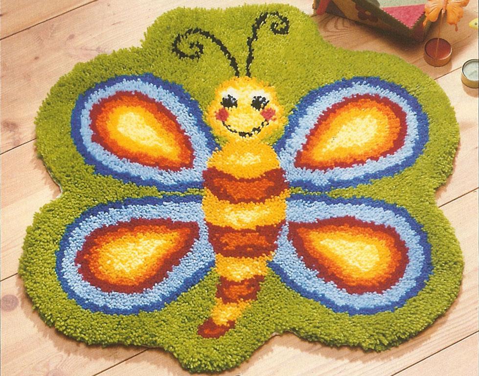 Manualidades textiles mundo larraz for Alfombras infantiles
